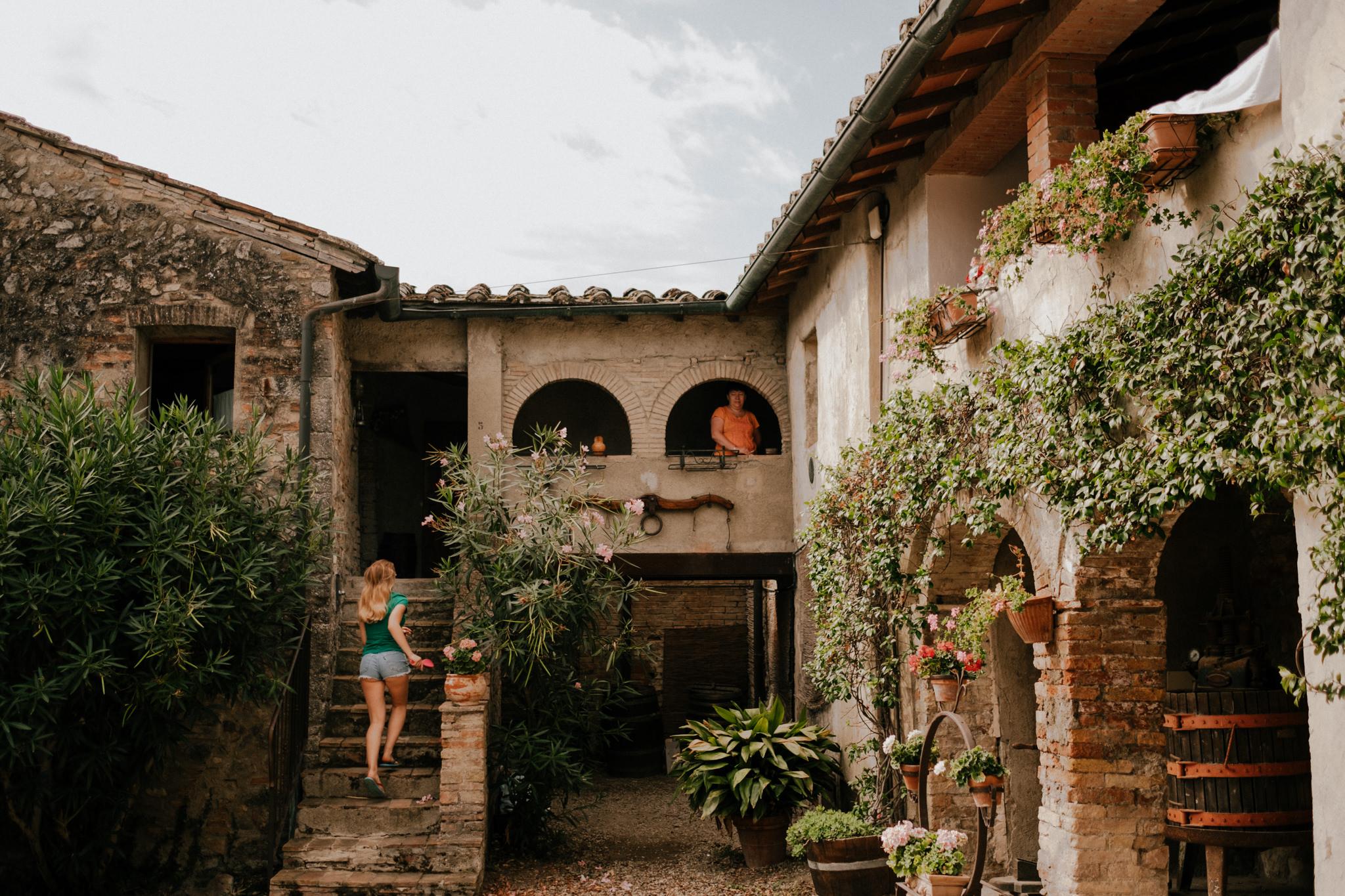 Anetta-Ben-Tuscany-San-Donato-Wedding-20-de-83-1