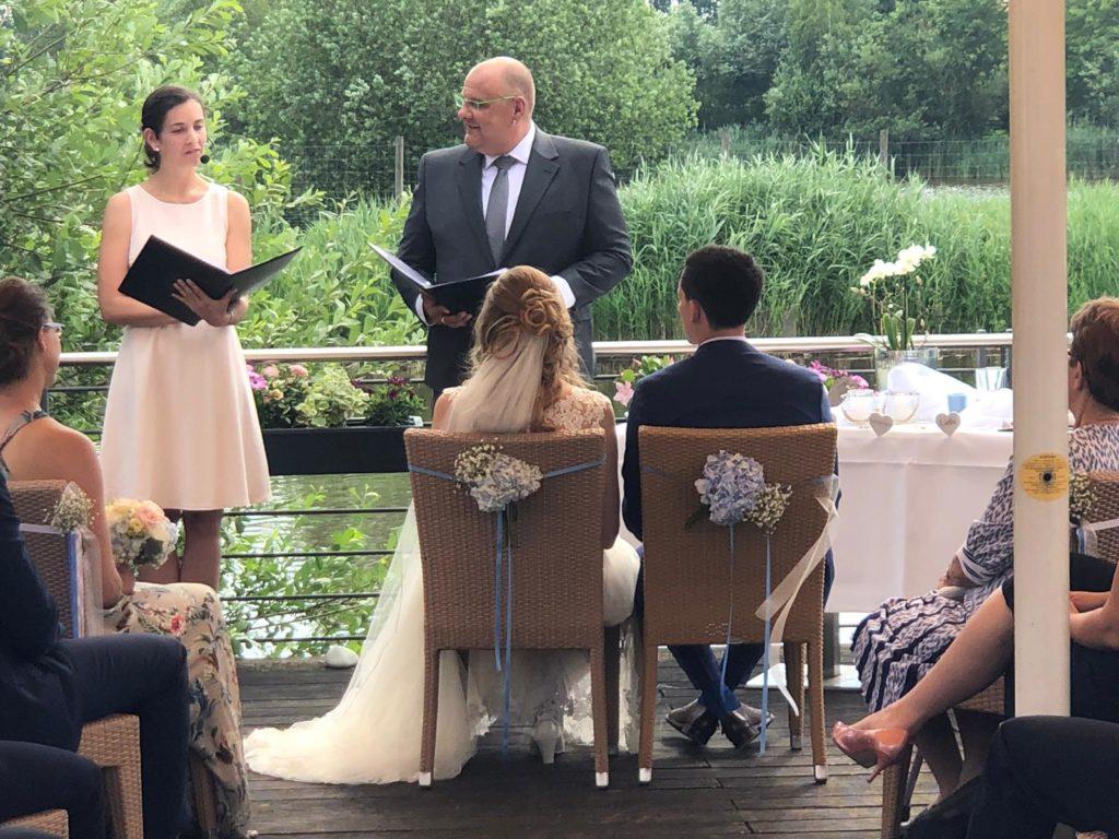 Tolle Trauung Franzosisch Und Deutsch Mit Theresa Und Carsten Rietberg Hochzeitsredner Fur Freie Trauungen Bundesweit Und Im Ausland